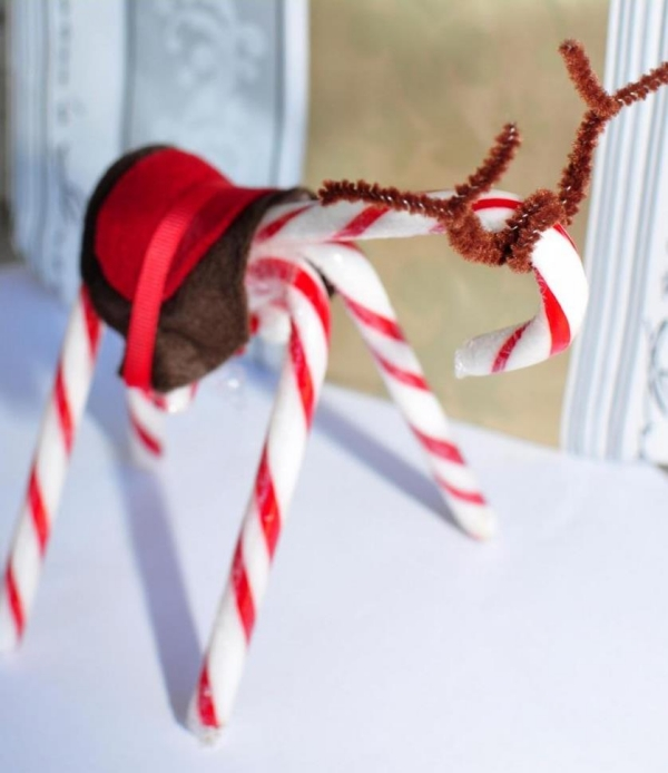 DIY easy christmas crafts candy cane reindeer