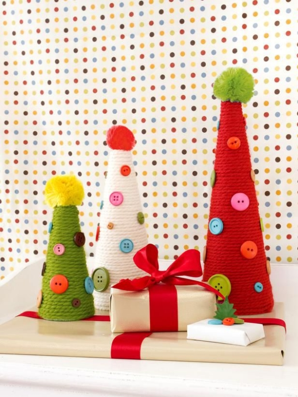 DIY easy and quick crafts yarn trees buttons