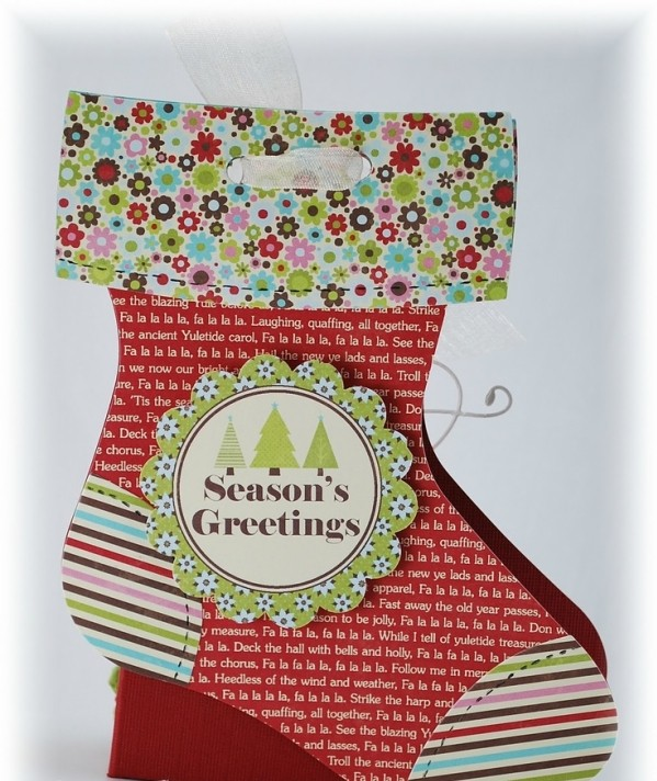 easy-christmas-craft-ideas-stocking-card-holder-paper-ribbon