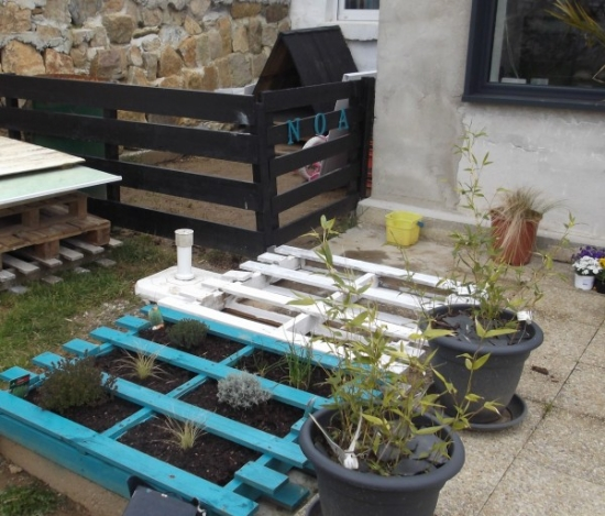 Greenhouse from wooden pallets patio ideas