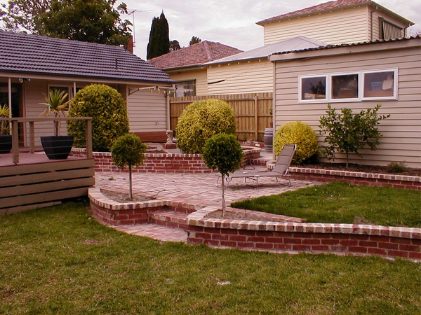 brick retaining wall how to choose