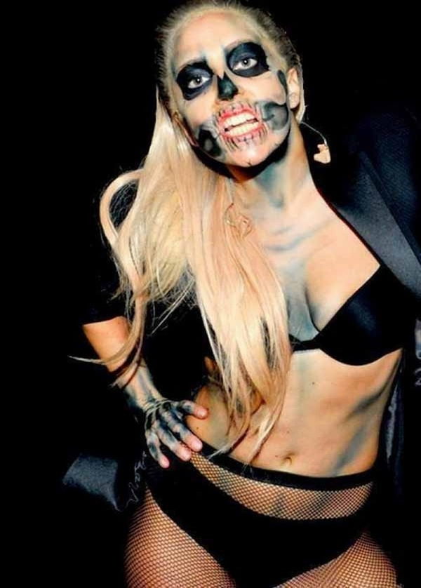 celebrities Halloween costumes and make up lady gaga