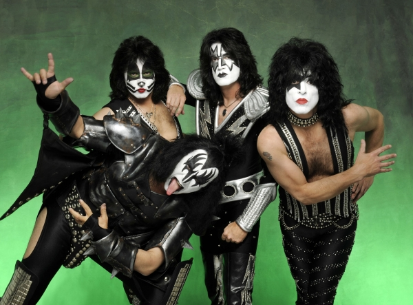 Kiss Mask Faces Make-Up Ideas Men Costumes