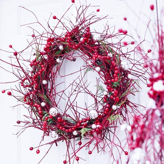 christmas wreath ideas cranberries and ornaments