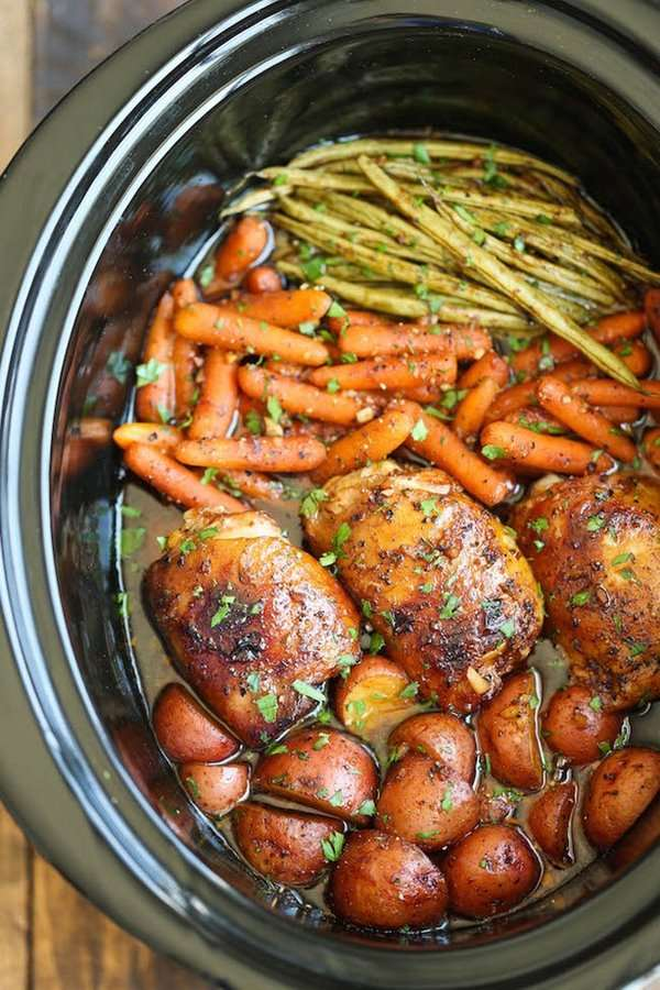 slow cooker honey and garlic chicken with vegetables