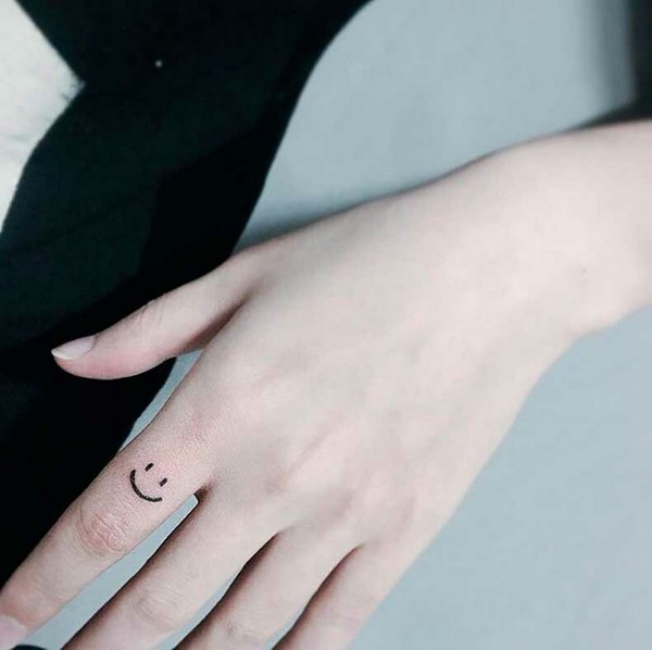 cute small tattoo ideas for ladies