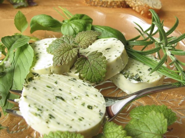 quick and easy recipes for butter with garlic and herbs