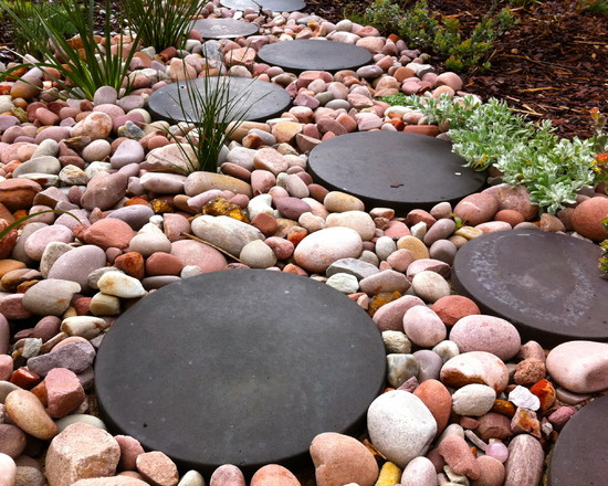round stepping stones wood gravel eclectic style garden path