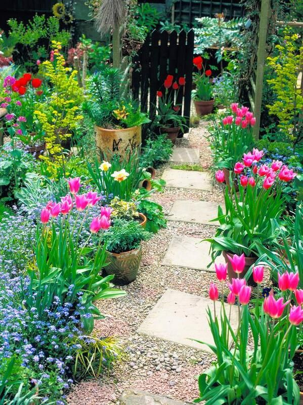 small decor ideas stepping stones flowers
