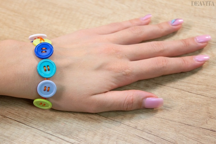 DIY waxed cotton thread and buttons bracelets ideas