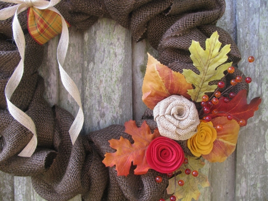 Burlap fall wreath with flowers