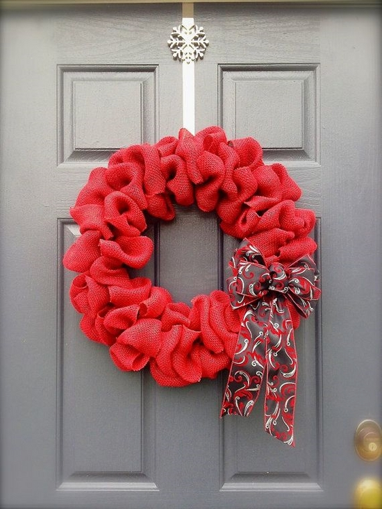 DIY holiday decorations ideas winter Christmas red wreath