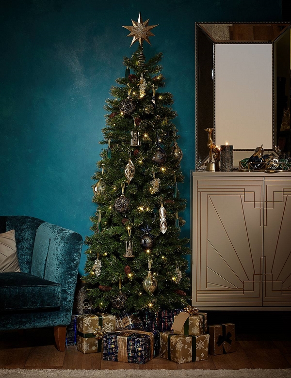 -pencil-christmas-tree-ideas space saving ideas