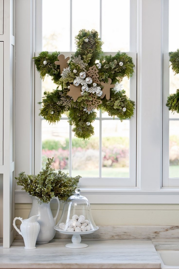 beautiful christmas window decorations christmas wreaths