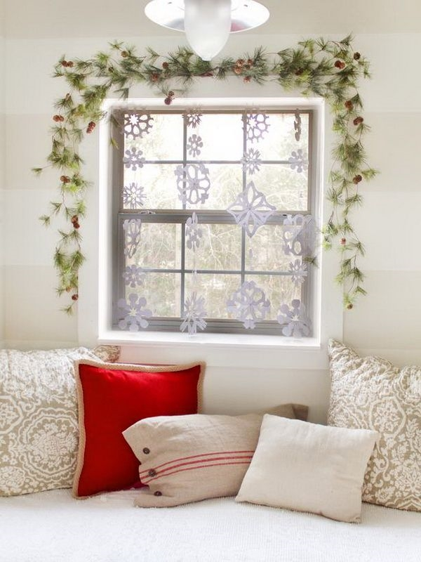 awesome decor ideas garland paper snowflakes window banners