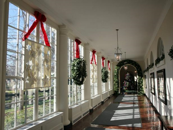 white house decoration christmas wreaths