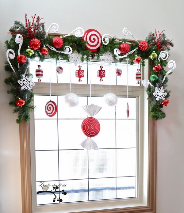 awesome decor ideas garland red ornaments