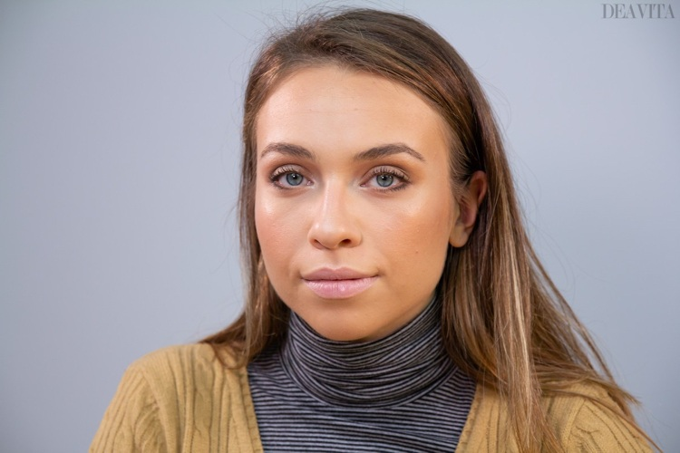 Natural make up for first date caramel eyeshadow and nude lips