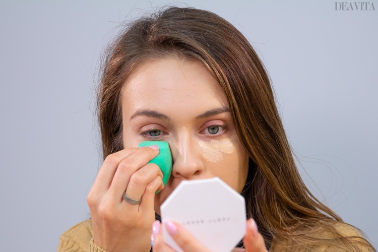 Conceal any dark circles under the eyes