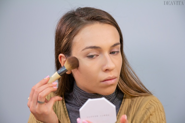 fisrt date makeup ideas step by step bronze up the face