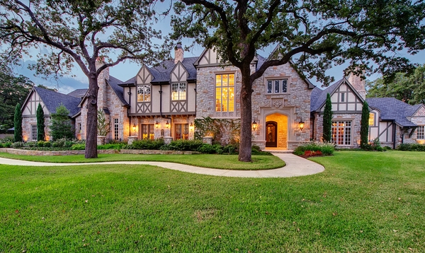 what is a tudor style home basic features