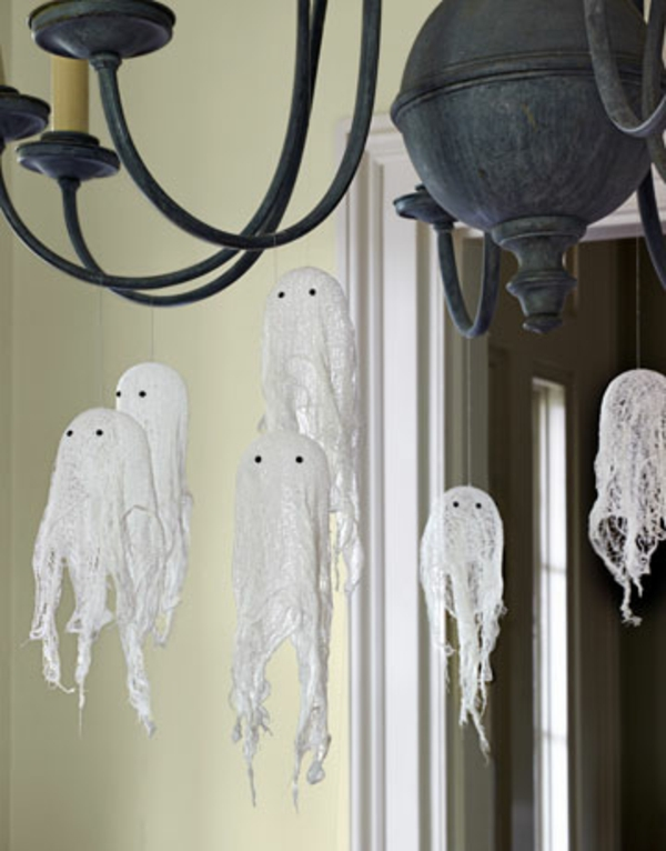 Halloween-party-decoration-ideas-cute ghosts chandelier decor