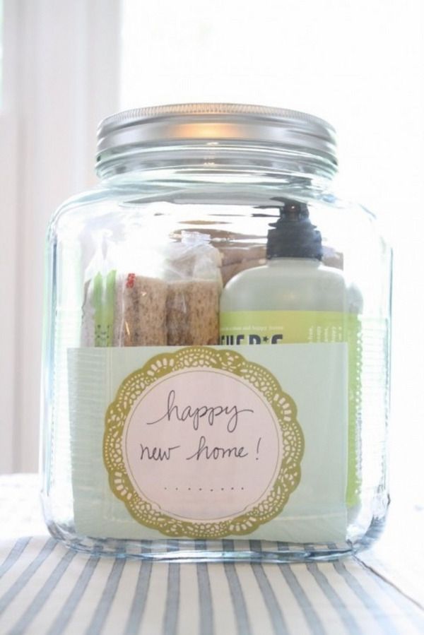 cheap-housewarming-gift-ideas-DIY-glass-jar