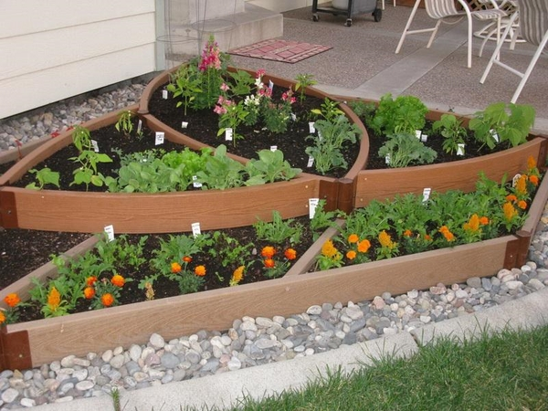creative raised-beds patio design