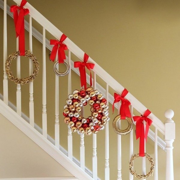 how to hang wreaths on banisters for christmas DIY hanger ideas