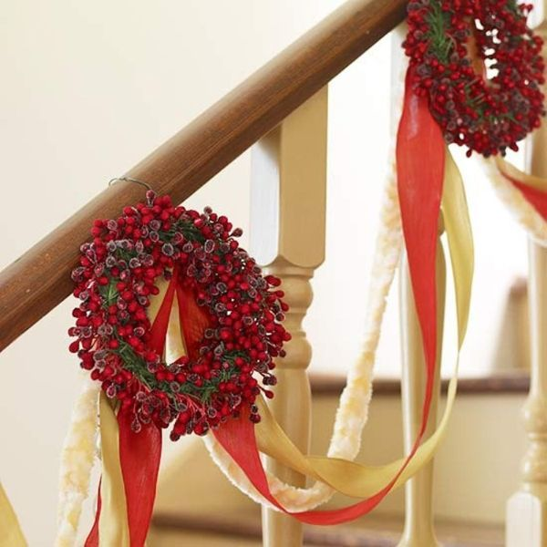 how to decorate staircase railing christmas ideas