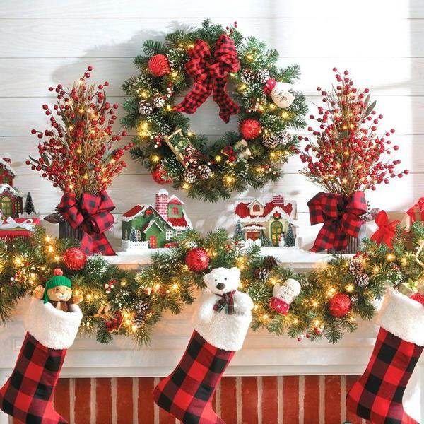 how to hang wreaths Christmas decorating ideas mantel decor