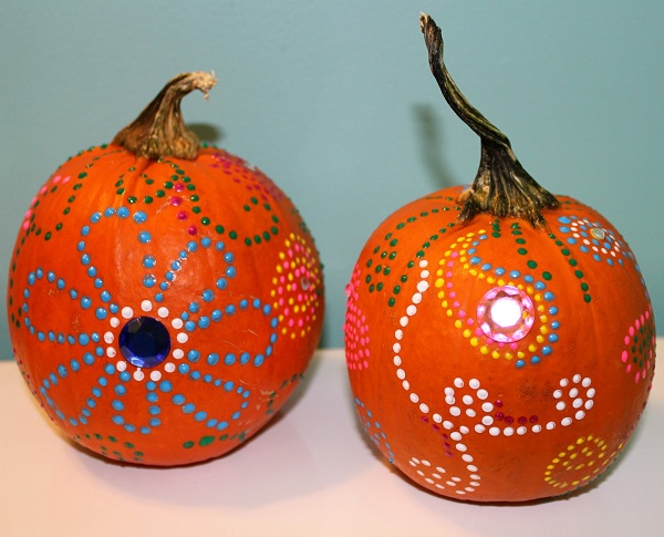 pumpkin decorating ideas painted pumpkins Halloween holiday ideas