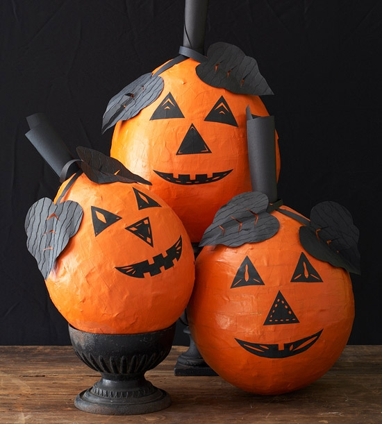 Craft ideas Halloween decorating papier mache pumpkin design ideas