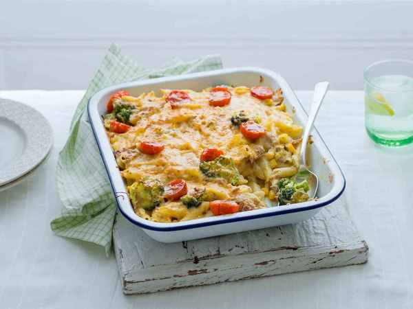 Tuna pasta bake recipe easy lunch and dinner ideas
