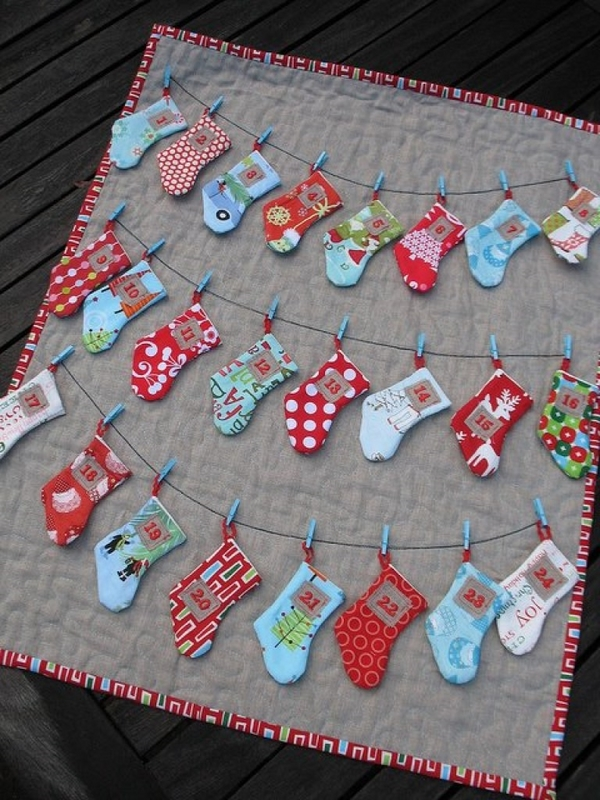 christmas-stockings-advent-calendar-christmas-crafts-ideas