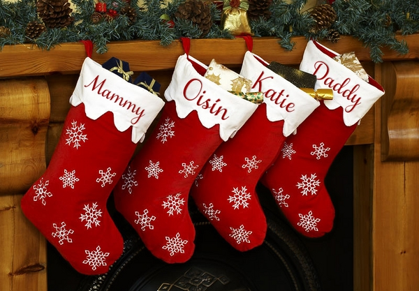 personalised-christmas-stockings-fireplace-decoration-ideas