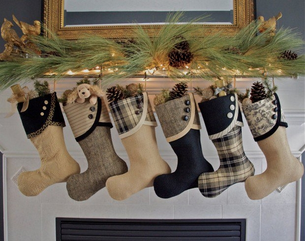 Cute-Christmas-stocking-mantelpiece-decoration-ideas-Christmas-gift-ideas