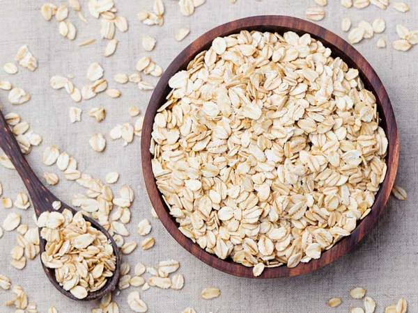 Oatmeal baths home remedy to relieve itching