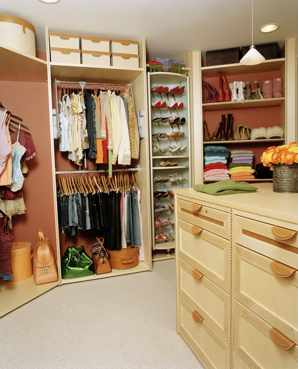 walk-in-closet-organisers-shoe-organizers-clothes-rods