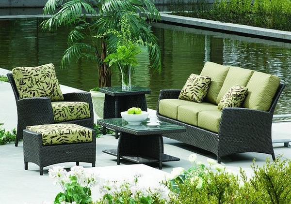 outdoor patio lounge furniture green chair coffee table