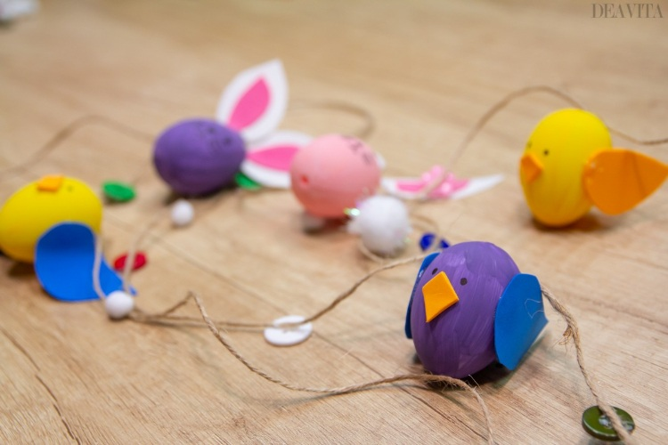 How to make bunny and chick Easter egg garland