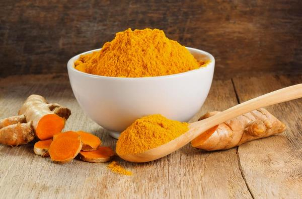 home cure for itching skin turmeric powder and turmeric root