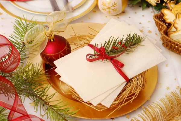 festive elegant christmas table decoration ideas gold red