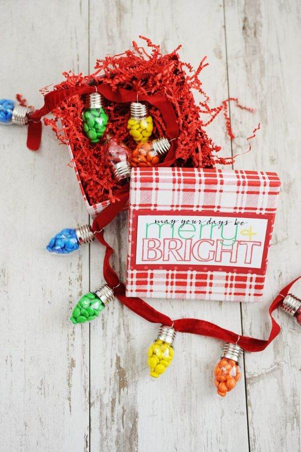 DIY Christmas gifts for teachers ideas candy garland