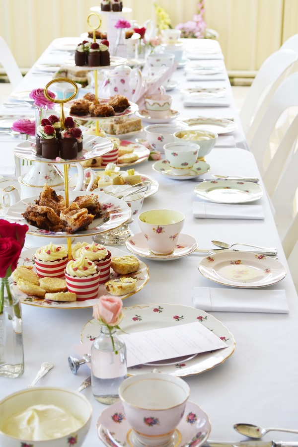 tea party table setting and decoration