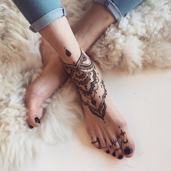 ankle bracelet tattoo designs for women