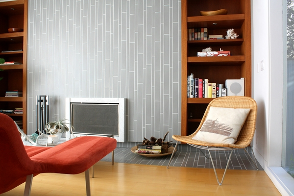Contemporary-fireplace-surround-ideas-focal point gray tiles wall decoration